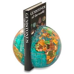 The Copper Amber Gemstone Globe Bookends is a great choice for decorative bookends. Manufactured with some of the best quality semi-precious gemstones you will not be disappointed by the layout and presentation of this design. Desk Globe, Map Globe, Amber Gemstone, Amethyst Gemstone, Floor Globe, Ocean Colors, Book Organization, Bahama Blue, World Globes