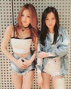 Jennie and Jisoo wohoo!
