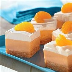 Orangesicle Mousse Dessert from Pillsbury® Baking - Sounds yummy! Health Desserts, Just Desserts, Delicious Desserts, Dessert Recipes, Yummy Food, Recipes Dinner, Dinner Ideas, Dessert Healthy, Pie Recipes