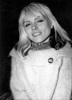 Debbie Harry: The Ultimate (Atomic) Blondie Bombshell Blondie Debbie Harry, Debbie Harry Style, Nostalgia, Stevie Ray, Stevie Nicks, The Clash, Famous Women, Famous People, Female Singers