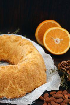 Llegó el otoño y con él, los bizcochos más otoñales. Hoy en casa horneamos uno con mucho sabor. Un jugoso bizcocho de almendras con naranja,...