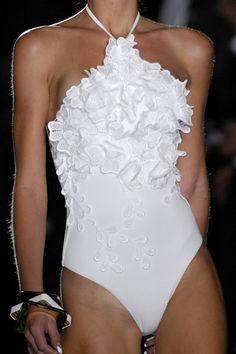 #blanc ~ Colette Le Mason @}-,-;---