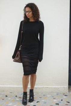 HELENE SERIGNAC #serignac #heleneserignac #black #totalblack #blacklook #blackskirt #louisvuitton #bergamo #lipstick #pink #pullover #boots #2015