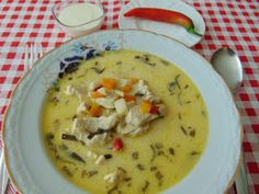 Rozi erdélyi,székely konyhája: Tárkonyos csirkeragú leves Cheeseburger Chowder, Soup, Favorite Recipes, Meals, Zeller, Meal, Soups, Yemek, Food