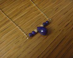 piedra preciosa del lapislázuli de perlas de perlas y collar de oro