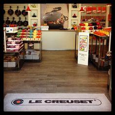 Le Creuset store, McArthur Glen Castel Romano #cocotte #lecreuset #press2 #outlet