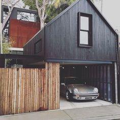 favd_porsche-phile-November 08 2016 at Garage Design, Exterior Design, House Cladding, Black House Exterior, House Extensions, House Goals, Prefab, Modern House Design, Modern Architecture