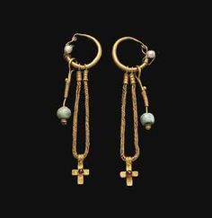A PAIR OF BYZANTINE GOLD, PEARL, GARNET AND EMERALD EARRINGS