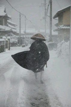 Japanese Zen monk in the snow Japanese Monk, Japanese Warrior, Japanese Art, Snow Japan, Japan Japan, Kubo And The Two Strings, Meditation, Japanese Symbol, Japanese Aesthetic