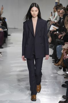 See the complete Calvin Klein Collection Fall 2017 Menswear collection.