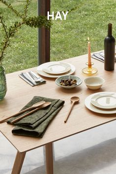 Space Furniture, Furniture For Small Spaces, Dining Room Furniture, Table Setting Design, Table Settings, Modern Dining Table, Kitchen Dining, Modern Dinnerware, Counter Stools