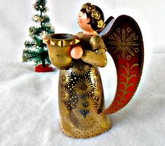 Vintage Wood Angel Wendt and Kuhn Collectible by GSaleHunter Wooden Christmas Decorations, Vintage Christmas Ornaments, Vintage Holiday, Christmas Angels, Rustic Christmas, Christmas Crafts, Holiday Decor, Wendt Kühn, Happy Magic