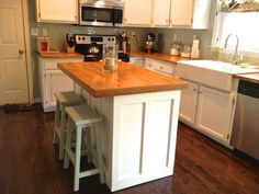 Picture of Small Kitchen Counter Island with Stools