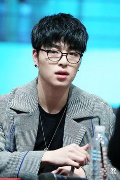 JUNHOE Rhythm Ta, Baby Huskies, Koo Jun Hoe, Kim Ji Won, Kpop Boy, Ikon, Bobby, Best Friends