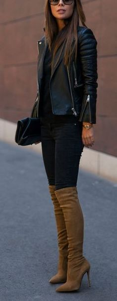 This outfit is so cute! I love her leather jacket and boots! It would be a perfect fall outfit! Fall Winter Outfits, Spring Outfits, Autumn Winter Fashion, Brown Boots Outfit Winter, Winter Wear, Tan Boots Outfit, Winter Style, Winter Night Outfit, Winter Chic