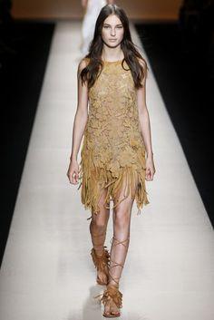 Alberta Ferretti Spring/Summer 2015 Ready-To-Wear Collection | British Vogue