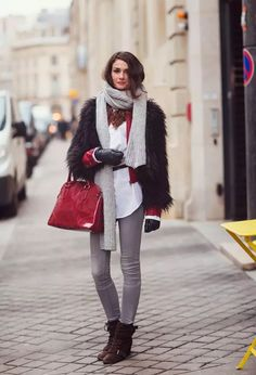 Main Scarf Trend Forecast for Winter &Fall 2018 &Way to Tie - Find the wonderful scarves, #winterscarf  winter scarf   Winter Scarf    WINTER SCARF   winter scarves    Winter  scarf outfit  