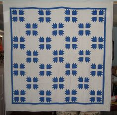 ANTIQUE BEARS PAW QUILT