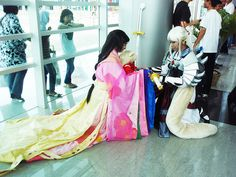 Karaginue Amazing Inu family cosplay: Izayoi, baby InuYasha, and Inu no Taisho<br> Juni hitoe. I love them and I'm sewing with hand ^^ Epic Cosplay, Amazing Cosplay, Cosplay Outfits, Cosplay Costumes, Cosplay Ideas, Halloween Costumes, Inuyasha Cosplay, Seshomaru Y Rin, Family Cosplay