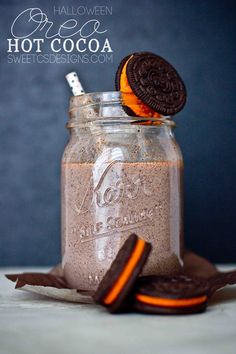 Oreo Hot Cocoa- this halloween oreo hot cocoa is the most decadent, delicious halloween treat!