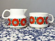 MELITTA Germany red and green flower decor tea cup & milk pot set - French 70s vintage / Lot tasse à café & pot à lait creme MELITTA fleur rouge vert - vintage années 70