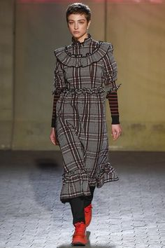 See the complete Ganni Copenhagen Fall 2017 collection.