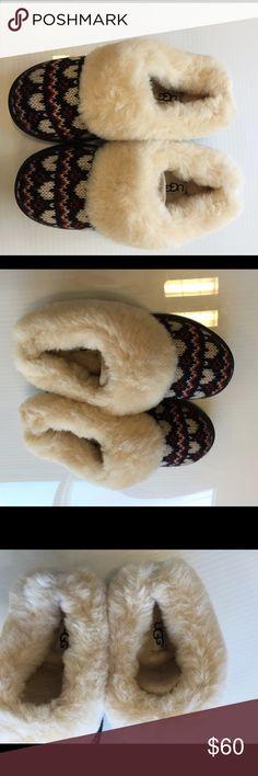 Ugg kids heart sheepskin slippers size 13 new Ugg kids heart sheepskin slippers size 13 new without box UGG Shoes Slippers