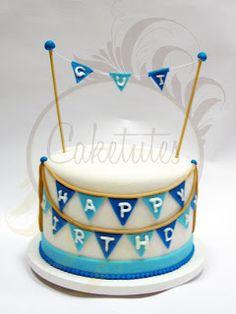 Caketutes Cake Designer: Bolo Bandeirolas - Banner Cake