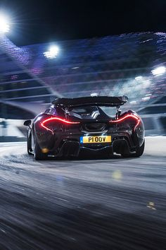 The McLaren held the world record for the fastest production car in the world for many years. The car was first produced in 1992 and still looks great today. Mclaren P1 Black, Slr Mclaren, Mclaren Cars, Aston Martin Vanquish, Lamborghini Gallardo, Ferrari 458, Abu Dhabi, Dean Smith, E90 Bmw