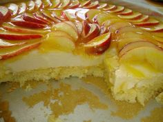 Portuguese Desserts, Portuguese Recipes, I Love Food, Good Food, Yummy Food, Tart Recipes, Sweet Recipes, Brazilian Dishes, Good Pie
