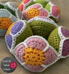 Crochet Flower Ball #crochet #amishpuzzleball #lookatwhatimade