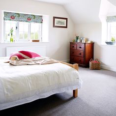Bright white bedroom | Bedroom decorating | Country Home and Interiors | Housetohome.co.uk