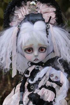 Anne Marie Gibbons Lil' Poes OOAK #Goth dolls and monsters.: Dawnie Dead zombie girl Victorian style.