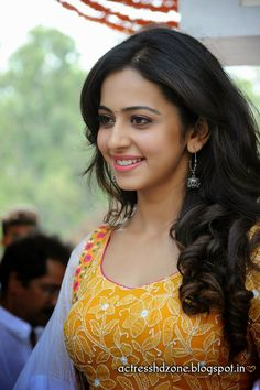 SOUTH INDIAN ACTRESS wallpapers in HD: RAKUL PREET SING full HD