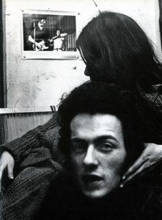 Joe Strummer and Paloma Romero photographed by Julian Yewdall, 1976.   idc i love it