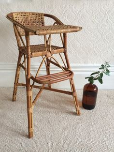A Wicker high chair - chaise haute en rotin - free delivery in UK and France