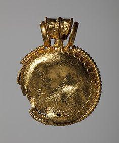 Amulet Locket (Bulla) Etruscan, 4th Century BC (Thorvaldsens Museum) Inventory number: H1858