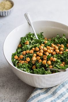 Kale Caesar salad with crispy smoked chickpeas [Vegan+Gluten-free]