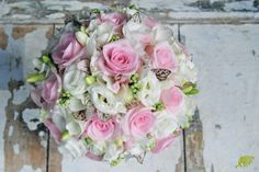 Ramo de novia en rosa y blanco con muchos detalles. Mayula Flores