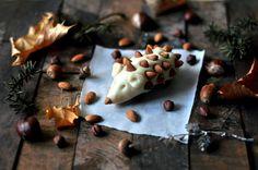 Hjemmelaget marsipanpinnsvin Cookies, Desserts, Food, Crack Crackers, Tailgate Desserts, Deserts, Biscuits, Essen, Postres