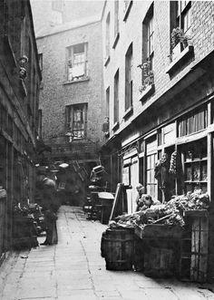 Leinster Market behind D'Olier St, Dublin Ireland Pictures, Old Pictures, Old Photos, Dublin Street, Dublin City, Irish Independence, Irish Language, Old Irish, Ireland Homes