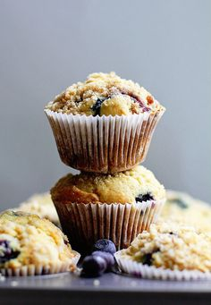 Perfect Blueberry Streusel Muffins Recipe- Deliciously moist, light and juicy blueberry muffins with a sensational crumbly streusel topping.