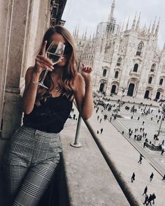 Street Style Summer Looks Summer outfits Europe Outfits, Mode Outfits, Fall Outfits, Outfits For Italy, Summer City Outfits, Outfit Summer, Moda Streetwear, Streetwear Fashion, 90s Fashion