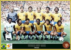 Brazil team group at the 1982 World Cup Finals. Brazil Football Team, Brazil Team, Pure Football, Football Icon, Retro Football, World Football, Vintage Football, Football Soccer, Brazil Brazil