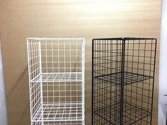 White and black 5T Mesh Stands