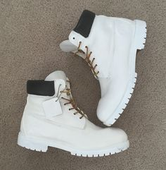 All white timbs ◻️◽️▫️