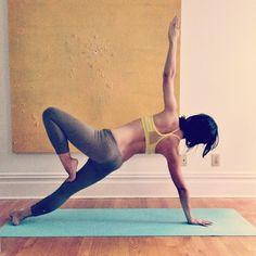 side plank tree pose variation #yoga