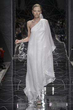 Fashionista Smile: La Donna di Sabrina Persechino è Una Sensuale Dea Greca