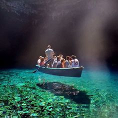 Melissani Cave, Greece ⛵️ #BucketListVacations : @diokaminaris