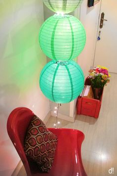 What a cheap & easy personal creation that looks awesome hanging in a corner, or even from a tree outside in your garden for some ambience!